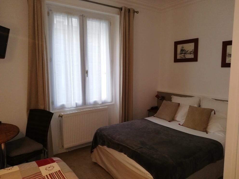 Chambre Contact Hôtel QUIC EN GROIGNE à ST MALO