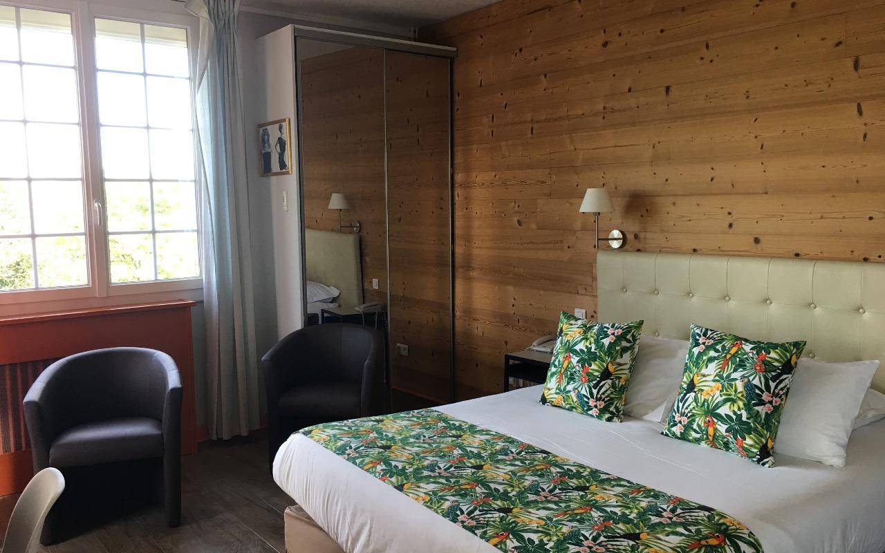 Chambre Contact Hôtel LA BONBONNIERE à TALANT