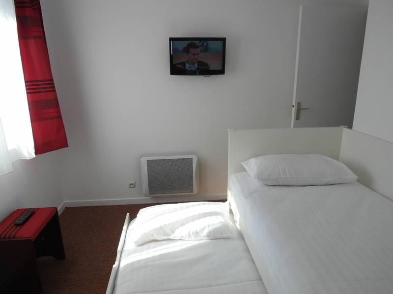 Chambre HOTEL LE CHANTEPIE à JOUE LES TOURS