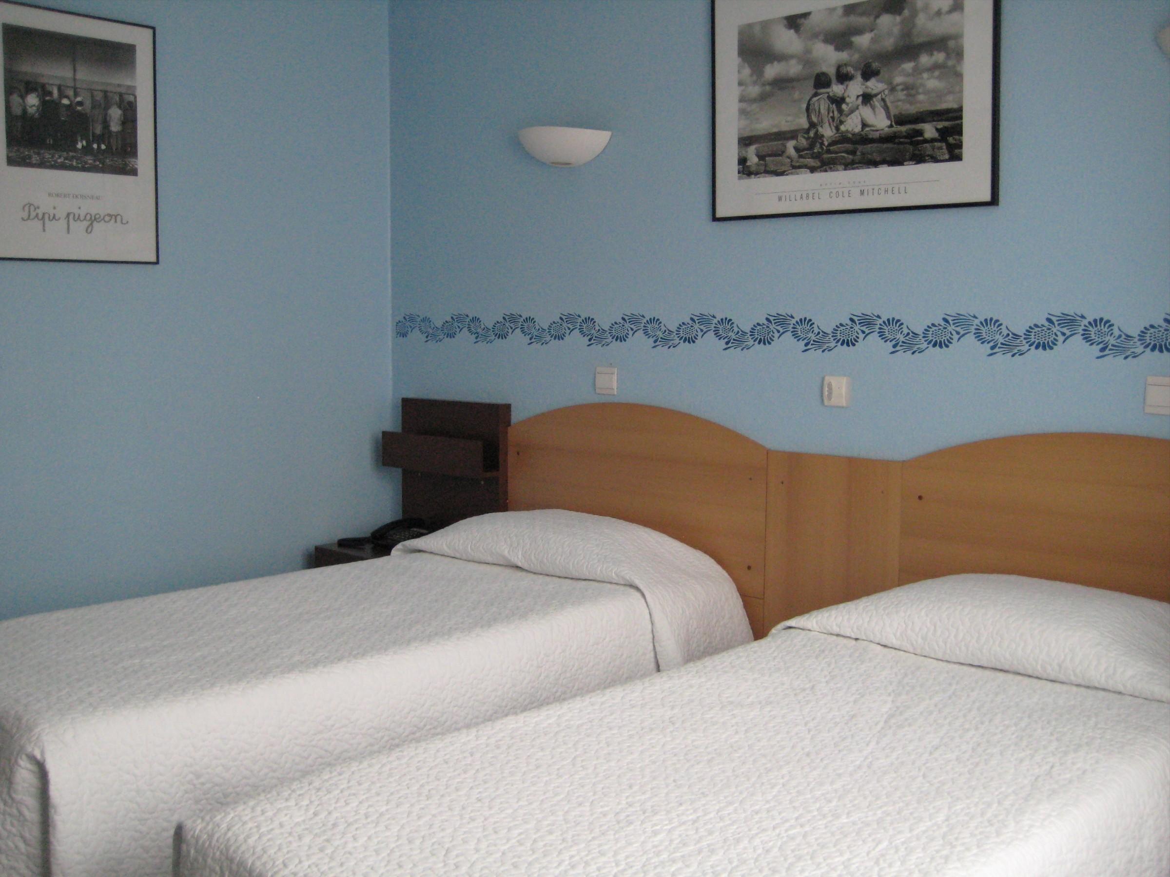 Chambre Contact Hôtel LE DOMINO à ILLKIRCH GRAFFENSTADEN