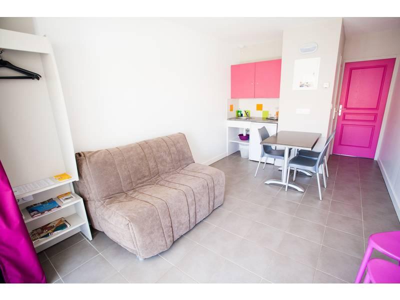Chambre P'tit Dej-HOTEL Île de Ré à SAINTE MARIE - ILE DE RE