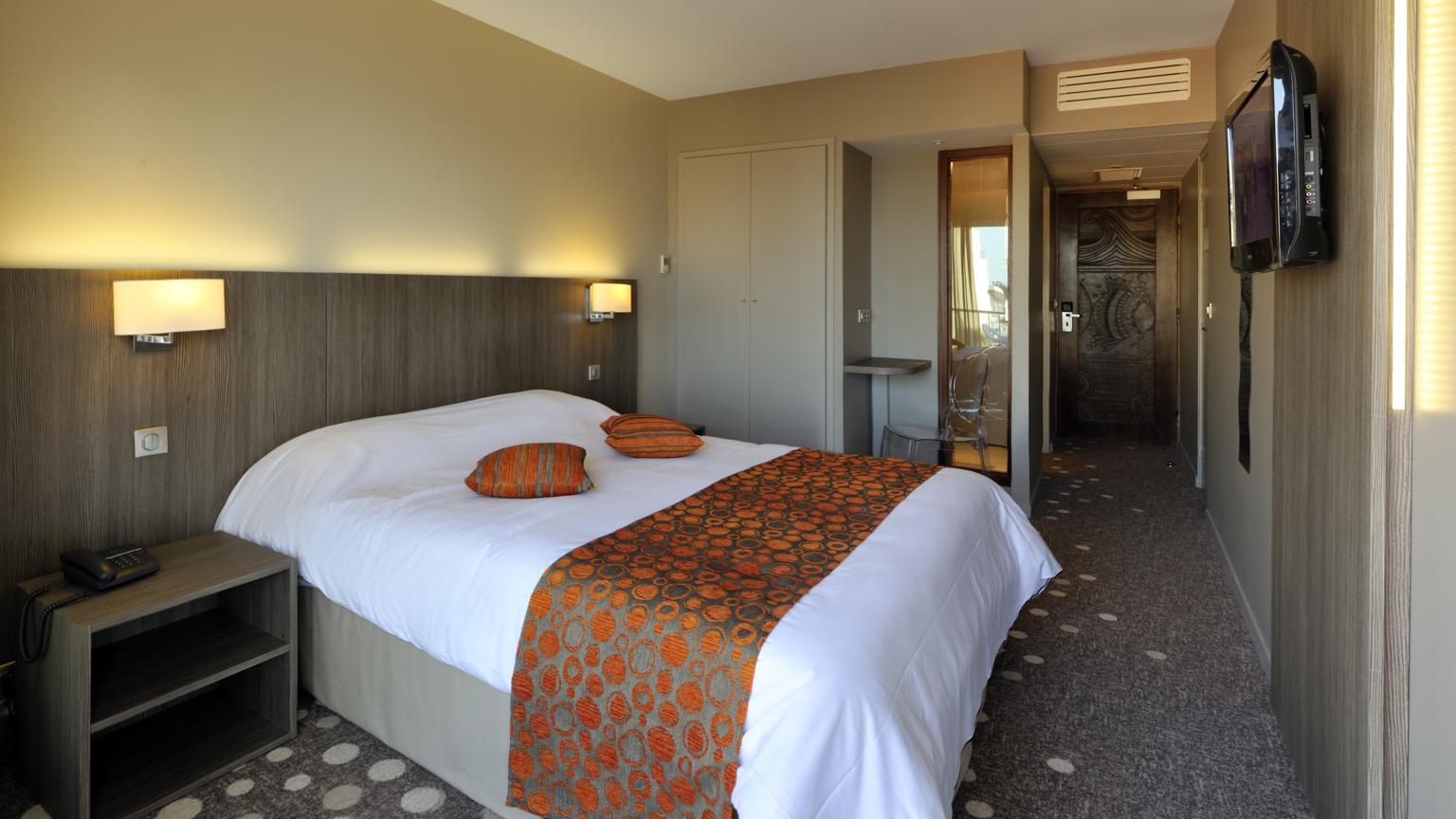 Chambre INTER-HOTEL Arcachon Le Nautic à ARCACHON