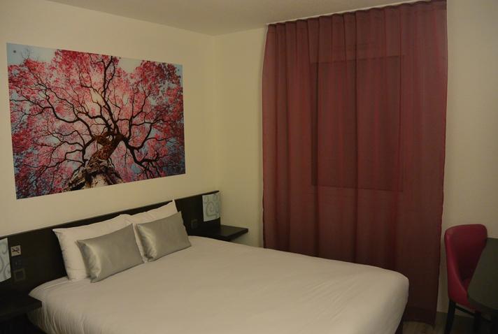 Chambre INTER-HOTEL Tours Sud Le Garden à CHAMBRAY LES TOURS