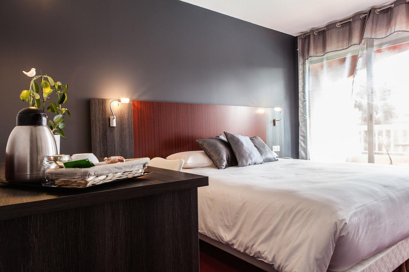 Chambre QUALYS-HOTEL Montpellier Sud Le Mas de Grille à ST JEAN DE VEDAS