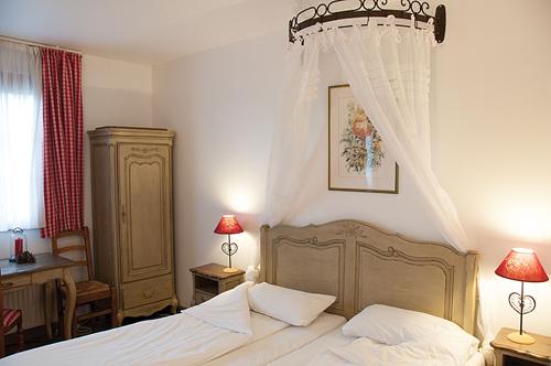 Chambre INTER-HOTEL Colmar Sud La Ferme du Pape - Hostellerie à EGUISHEIM