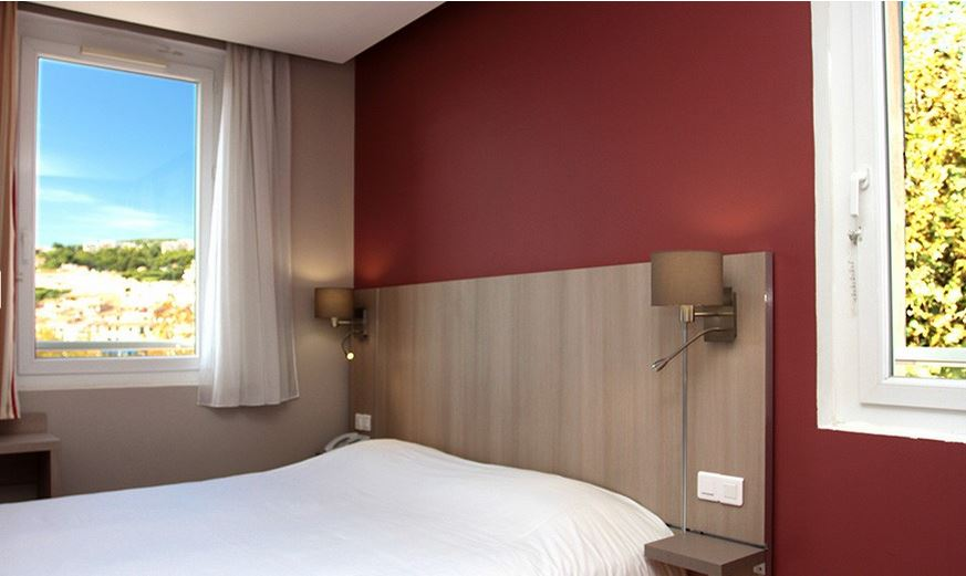 Chambre INTER-HOTEL Cassis Port Cassitel à CASSIS