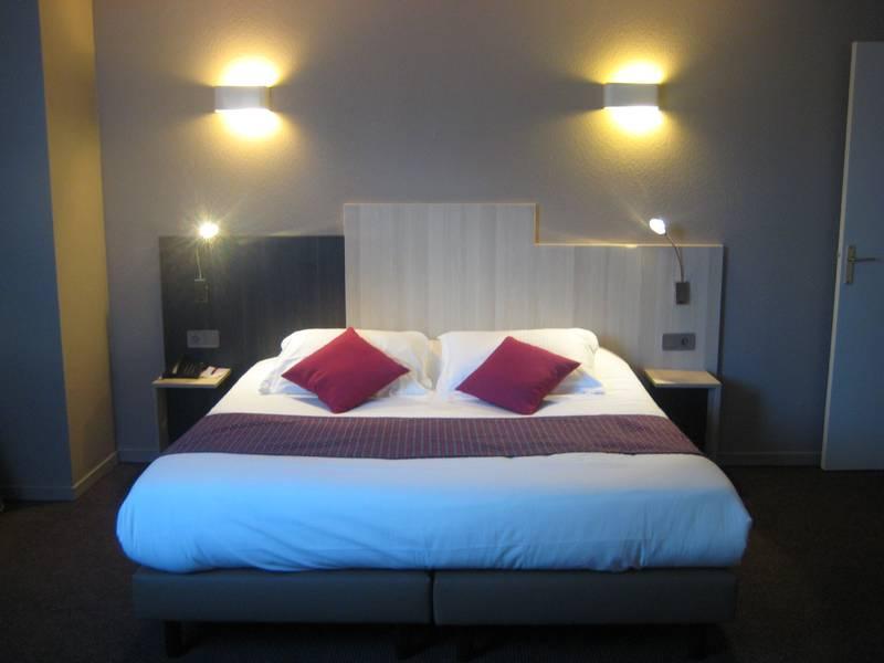 Chambre INTER-HOTEL Bordeaux Mériadeck Alton à BORDEAUX