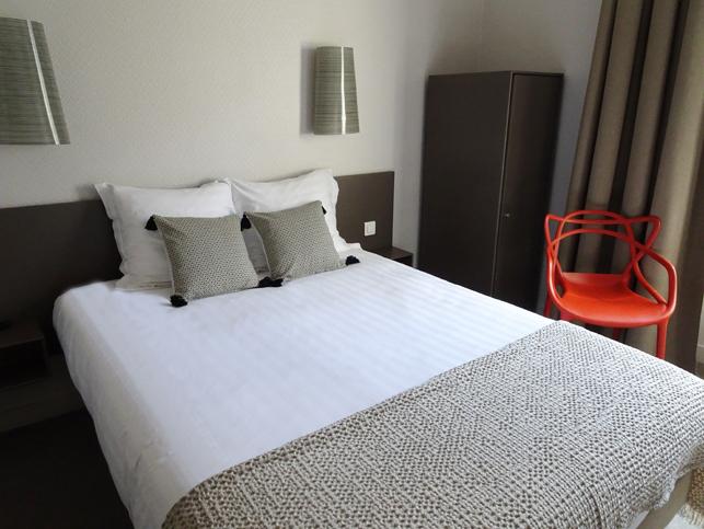 Chambre INTER-HOTEL Rennes Gare Le Sévigné à RENNES