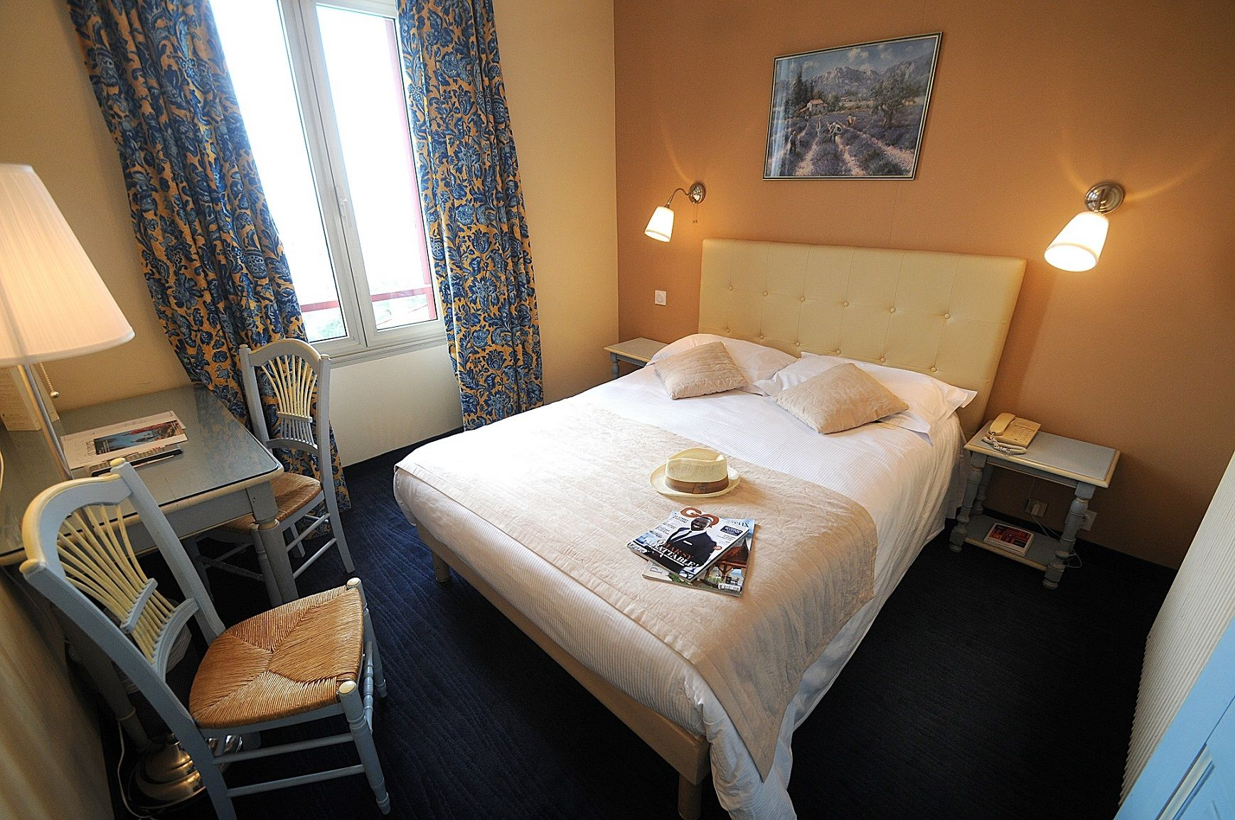 Chambre INTER-HOTEL Cannes des Orangers à CANNES
