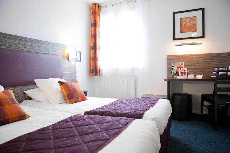 Chambre INTER-HOTEL Beauvais City Hôtel à BEAUVAIS