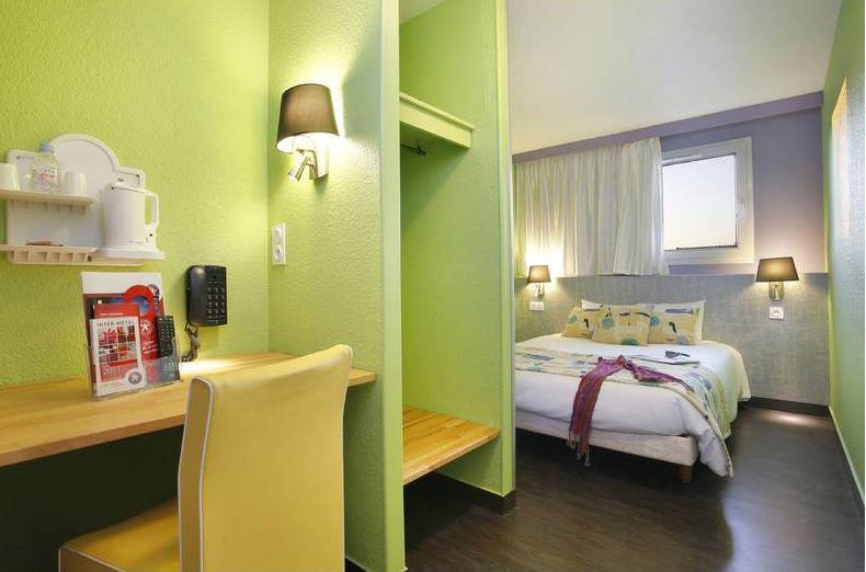 Chambre INTER-HOTEL Rennes Ouest Les 3 Marches à VEZIN LE COQUET