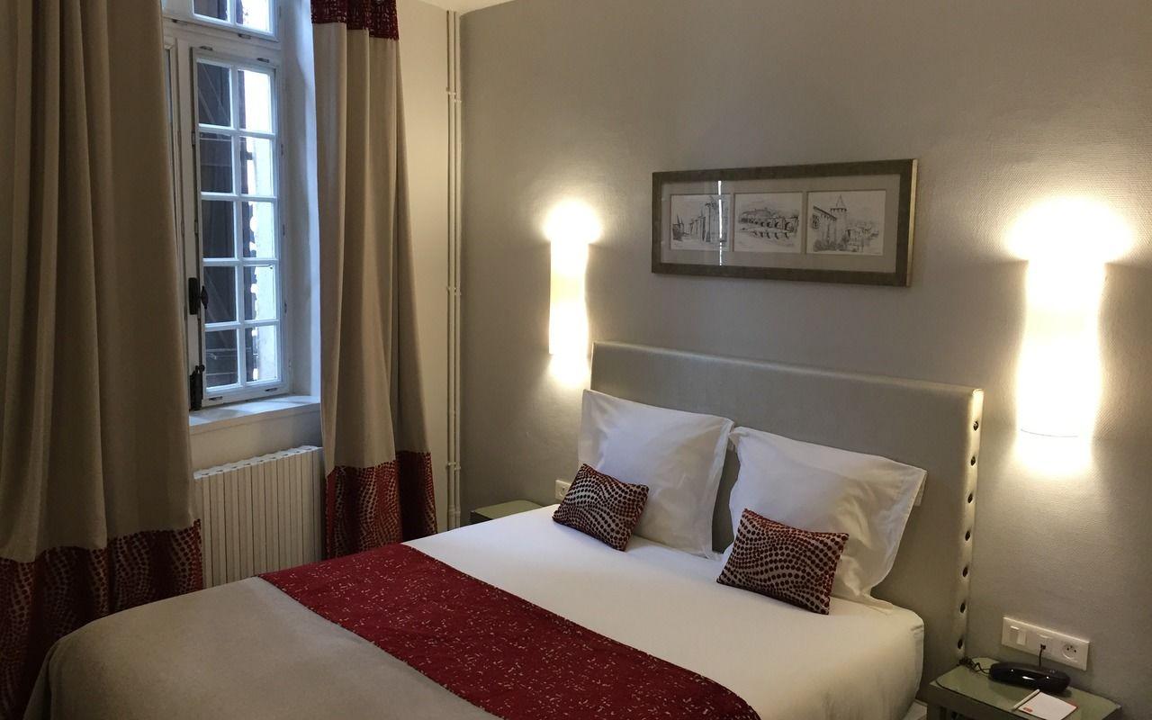 Chambre Contact Hôtel DU PONT VIEUX à CARCASSONNE