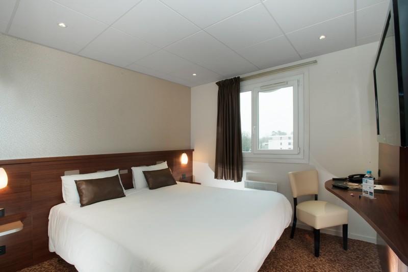 Chambre Brit Hotel Tours Sud - Le Cheops à JOUE LES TOURS