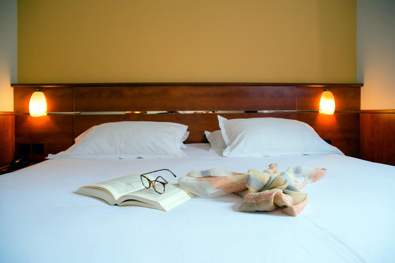 Chambre BRIT HOTEL RENNES ST GREGOIRE - LE VILLENEUVE à ST GREGOIRE