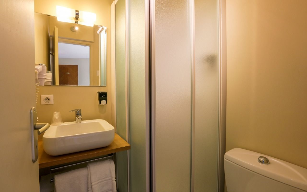 Chambre Brit Hotel Angoulême - Terminus à ANGOULEME