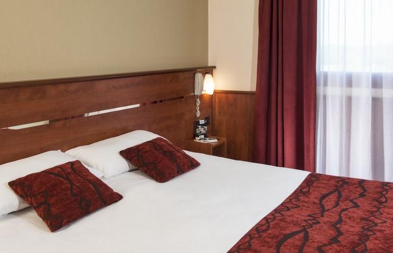 Chambre BRIT HOTEL NANTES BEAUJOIRE - L'AMANDINE à NANTES