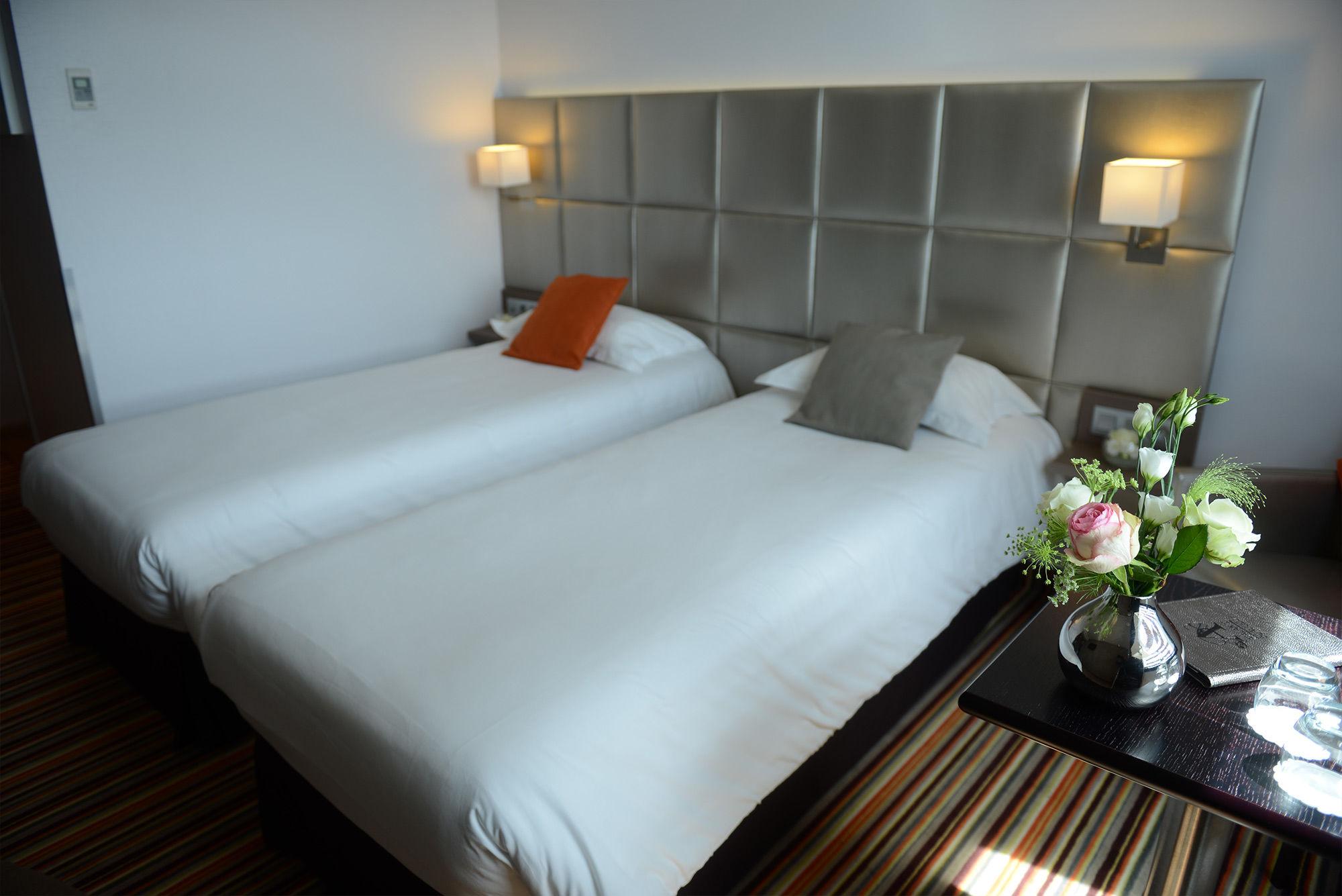 Chambre BRIT HOTEL RENNES CESSON - L'ATALANTE BEAULIEU à CESSON SEVIGNE