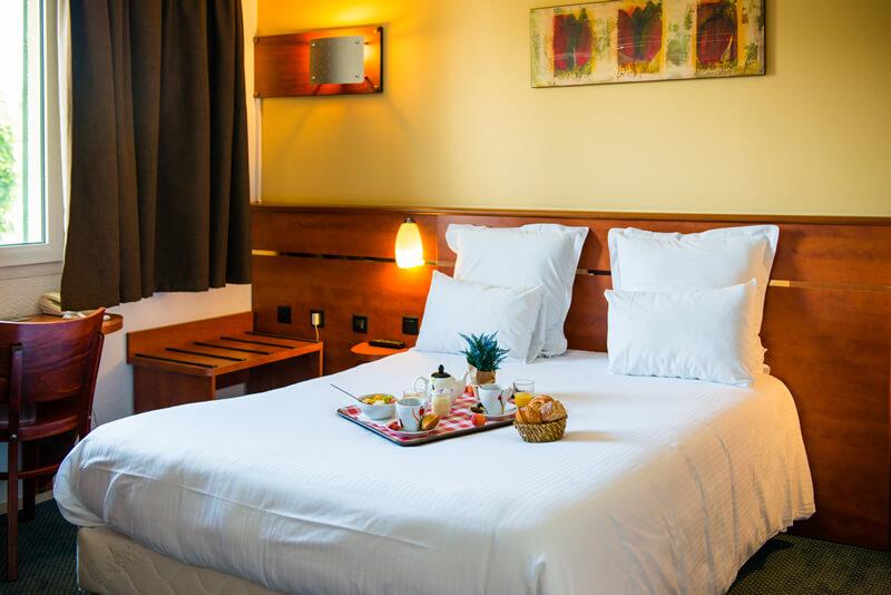 Chambre BRIT HOTEL BLOIS - LE PREMA à BLOIS