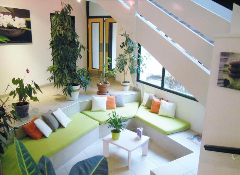 INTER-HOTEL La Rochelle Est Le Beaulieu Logis à PUILBOREAU