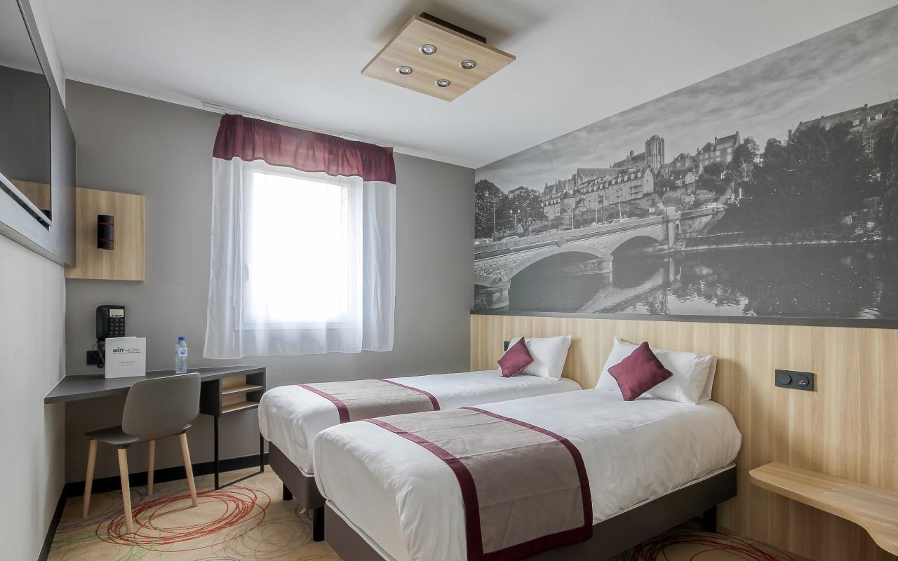 BRIT HOTEL LE MANS SUD - LE COTTAGE à ARNAGE