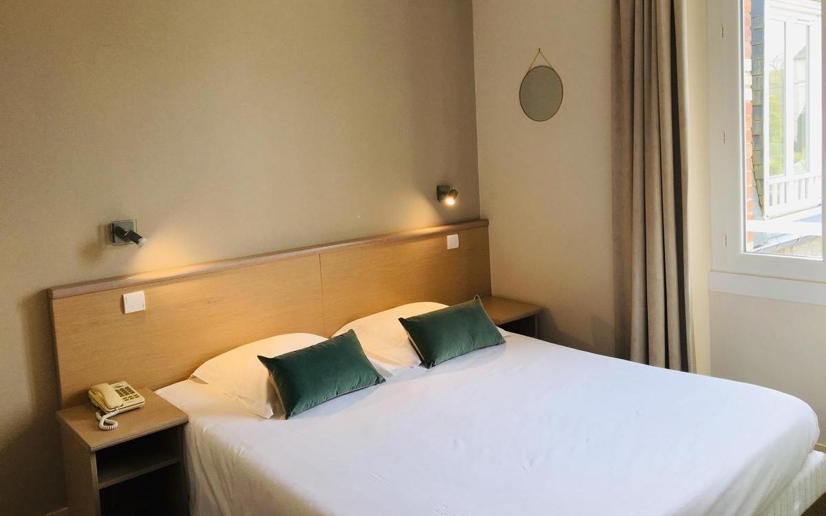 BRIT HOTEL DINARD - HOTEL DU PARC à DINARD