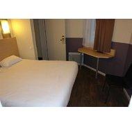 B Hotel à MONDEVILLE