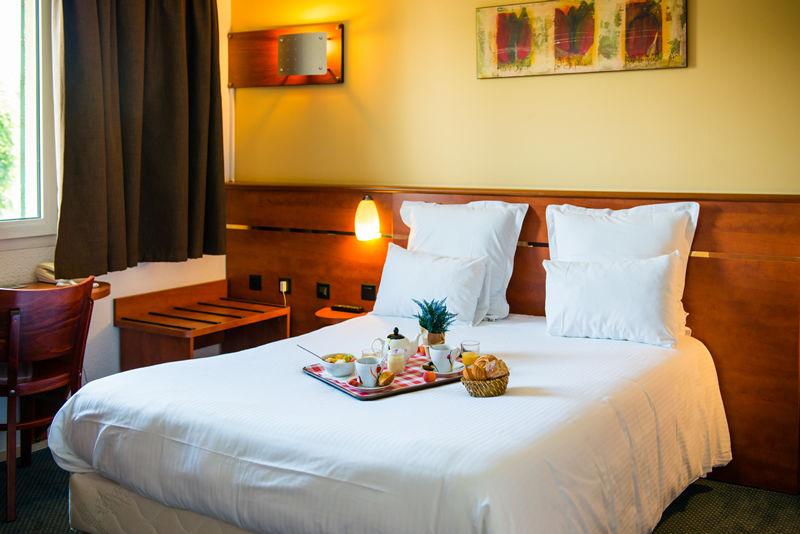 BRIT HOTEL BLOIS - LE PREMA a BLOIS